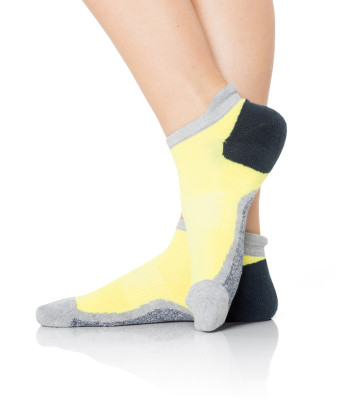 Smitten Active Rock Sport Socks with Anti-fatigue Arch Support and Seamless No Blister Toe S403004-